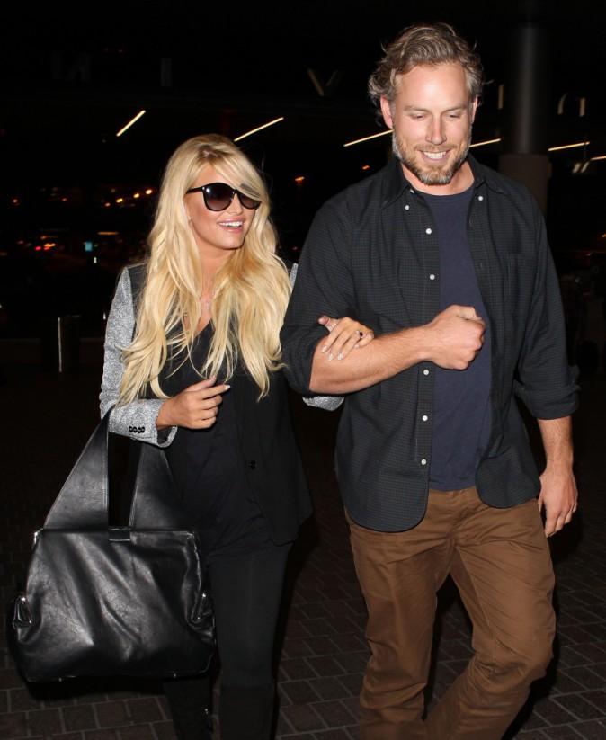 Jessica Simpson et Eric Johnson à l'aéroport de Los Angeles, le 13 octobre 2013.