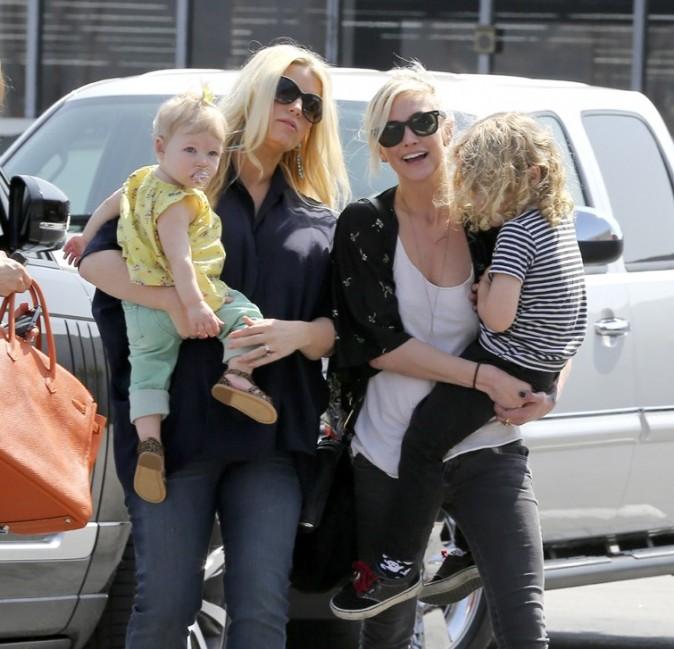 Jessica et Ashlee Simpson à Burbank le 16 mars 2013