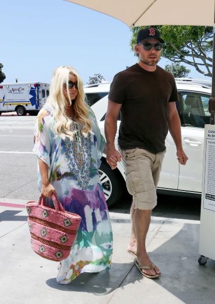 Jessica Simpson et Eric Johnson le 22 juin 2013 à Los Angeles