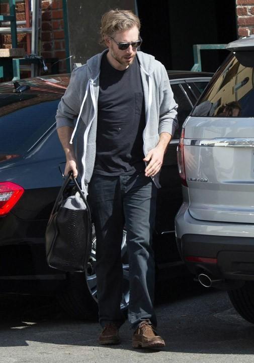 Eric Johnson avec Maxwell à Los Angeles le 21 février 2013