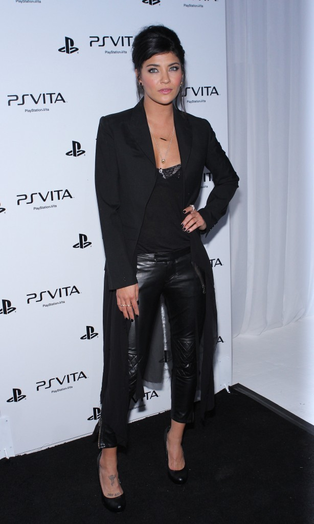 Jessica Szohr lors de la soirée Sony PlayStation's Vita Portable Entertainment System Launch à Hollywood, le 15 février 2012.