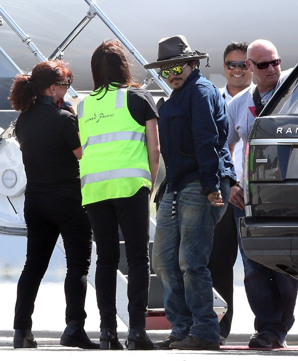Johnny Depp à l'aéroport de Brisbane le 11 mars 2015