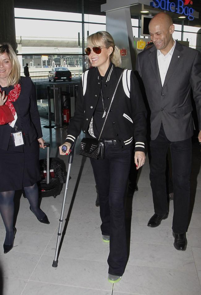 Johnny et Laeticia Hallyday à l'aéroport Roissy Charles de Gaulle le 5 avril 2014