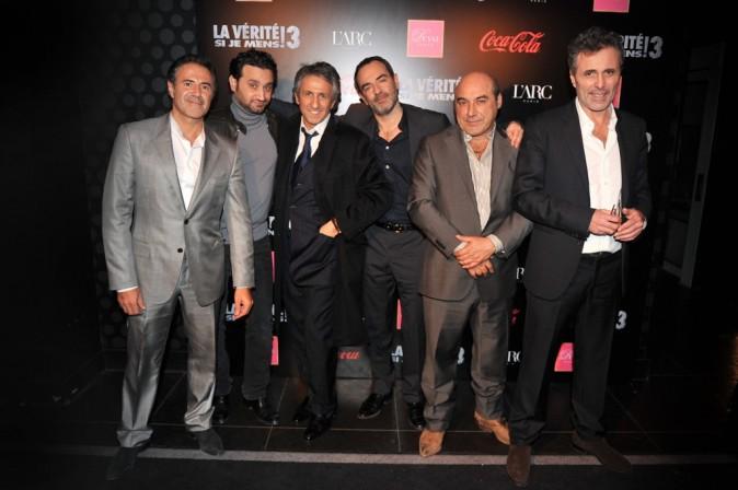 L'équipe du film La Vérité Si Je Mens 3 dans le club L'Arc à Paris, le 30 janvier 2012.