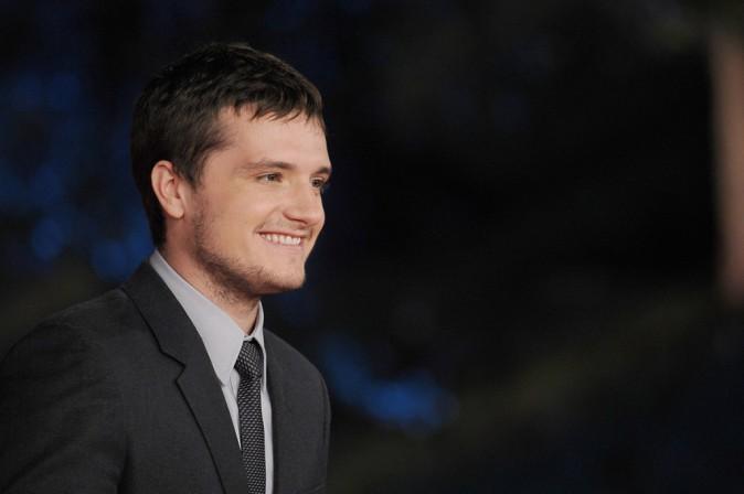 Josh Hutcherson : fier de vous présenter sa copine sur tapis rouge !