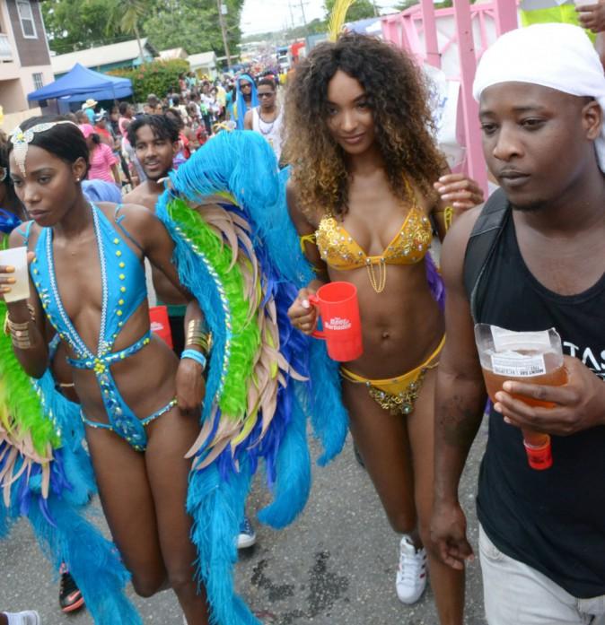 Photos : Jourdan Dunn fait le show à la Barbade, Riri n'a qu'à bien se tenir !