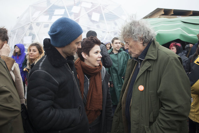Photos : Jude Law visite la Jungle de Calais pour dénoncer le sort des migrants