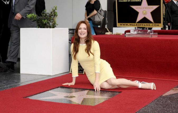 Julianne Moore a reçu son étoile sur le Walk of Fame à Hollywood, le 3 octobre 2013.