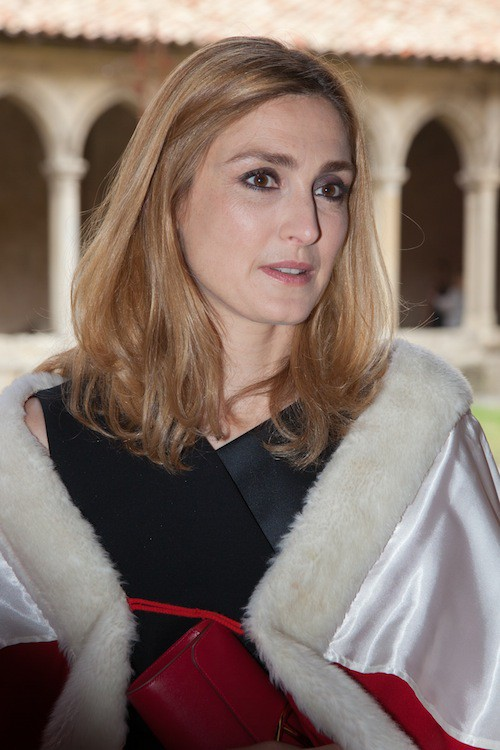 Photos : Julie Gayet : pour l'amour du vin, et de François Hollande !
