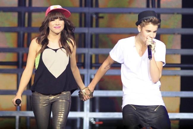 Justin Bieber et Carly Rae Jepsen le 16 octobre 2012 au Canada