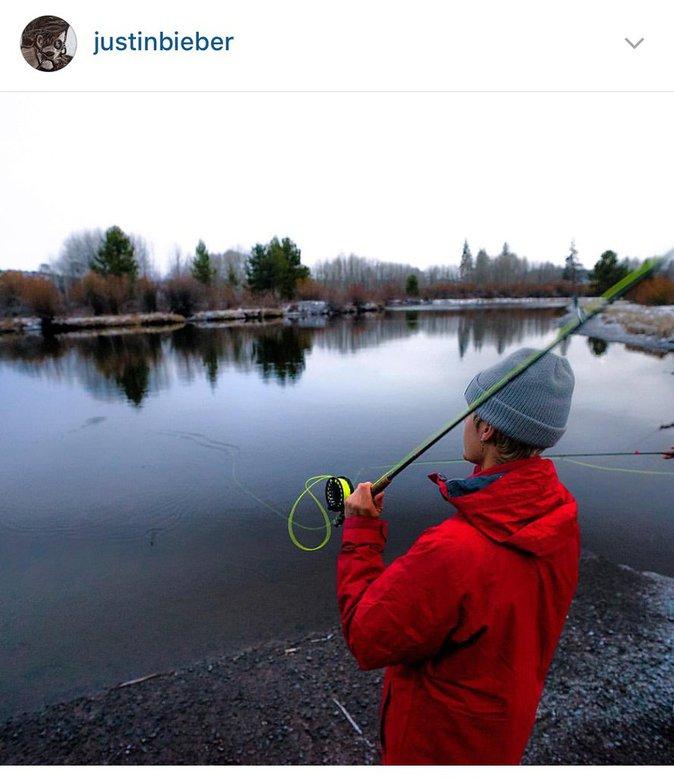 Justin Bieber en train de pêcher