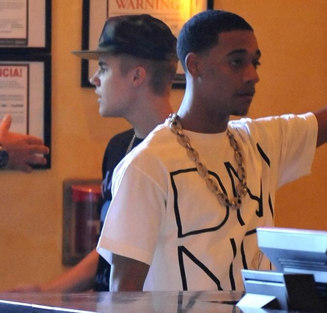 Justin Bieber au restaurant avec des amis