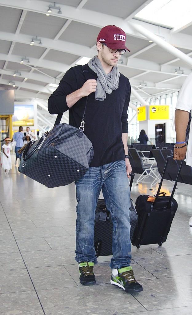 Les bagages de Justin coûtent quelques euros quand même...