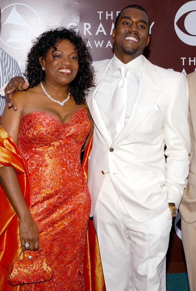 Photos : Kanye West en compagnie de sa mère en 2005