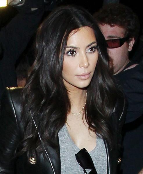 Kim Kardashian à l'aéroport de Los Angeles, le 24 mars 2014.