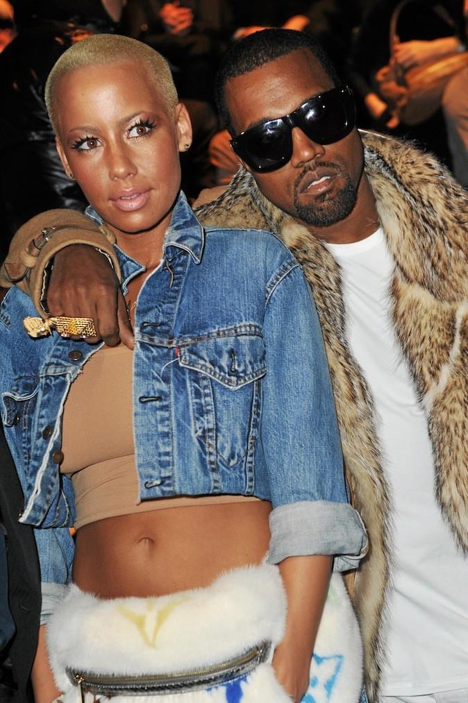 Une brève histoire d'amour en 2011 qui se fnit mal. Amber Rose accuse Kanye de l'avoir frappée, et Kanye l'accuse de l'avoir trompé !