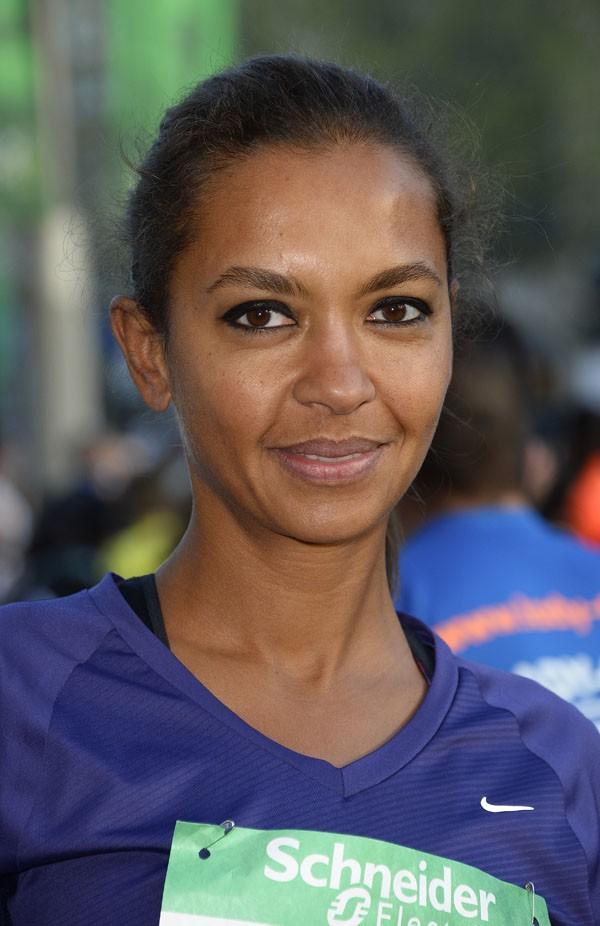 Karine Le Marchand au marathon de Paris le 6 avril 2014