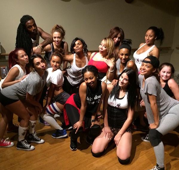 Photos : Karrueche Tran : oublié Chris Brown, elle s'éclate et prend des leçons de twerk !