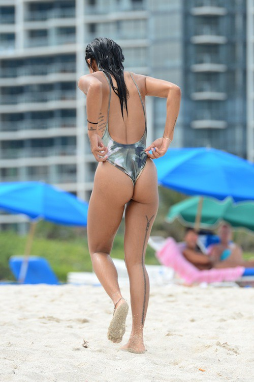 Photos : Karrueche Tran sexy, elle oublie Chris Brown en tournée avec Royalty !