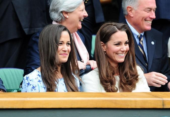 Pippa et Kate Middleton le 8 juillet 2012 au tournoi de Wimbledon