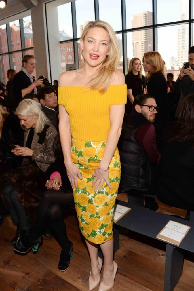 Kate Hudson : divine, elle met le paquet pour Michael Kors !
