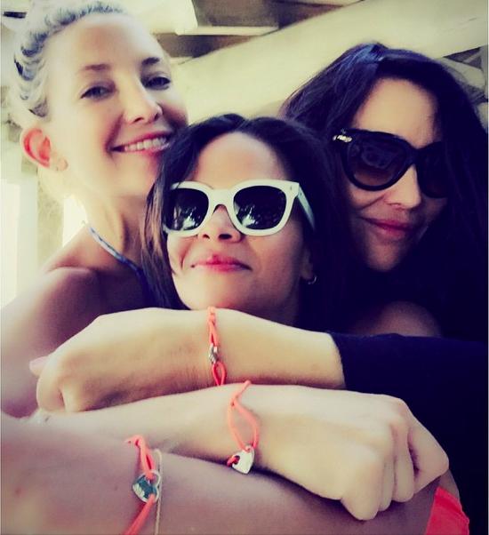 Kate Hudson : En vacances en Grèce, elle se la joue naïade sexy !