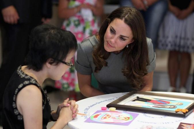 Avec les enfants malades, Kate Middleton s'est montrée attentive