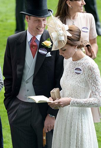 Photos : Kate Middleton : Chic en dentelle pour ses premiers pas au Royal Ascot !