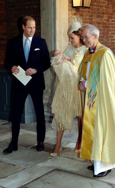 Kate Middleton en Alexander McQueen pour le baptême de son fils, le prince George, le 23 octobre 2013 à Londres.