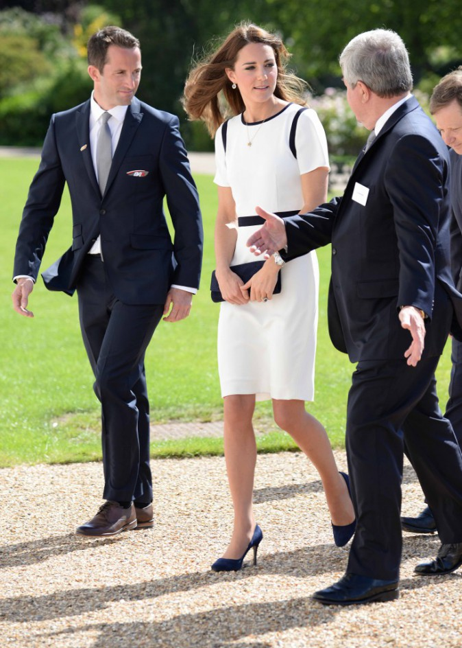 Photos : Kate Middleton : de retour en Grande-Bretagne, la duchesse de Cambridge rayonne !