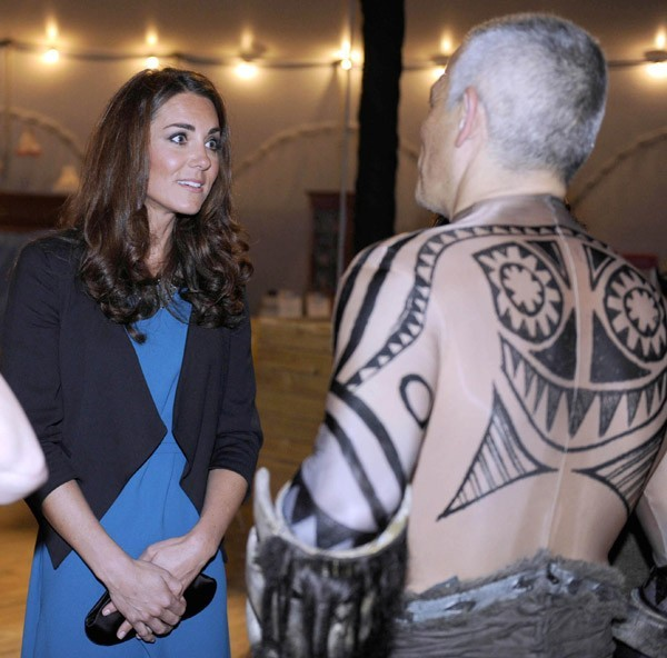 Kate Middleton pour un spectacle caritatif dans les jardins de Kensington le 15 juin 2012