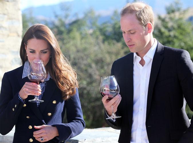 Kate Middleton : enceinte ? La Duchesse s'affiche pourtant avec un verre de vin à la main !