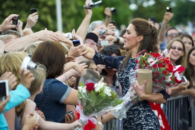 Bain de foule pour Kate Middleton à Ottawa, le 30 juin 2011.