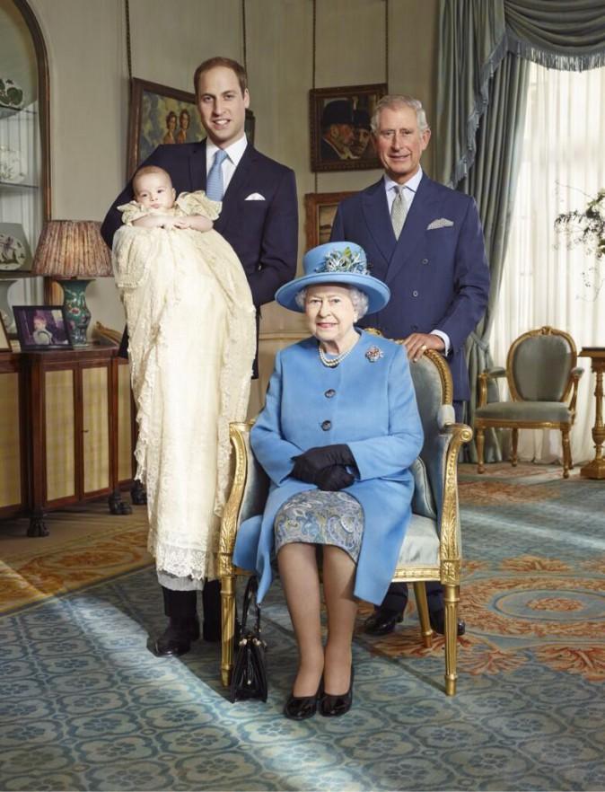 Kate Middleton et le Prince William diffusent les photos officielles du baptême de leur fils, le Prince George !