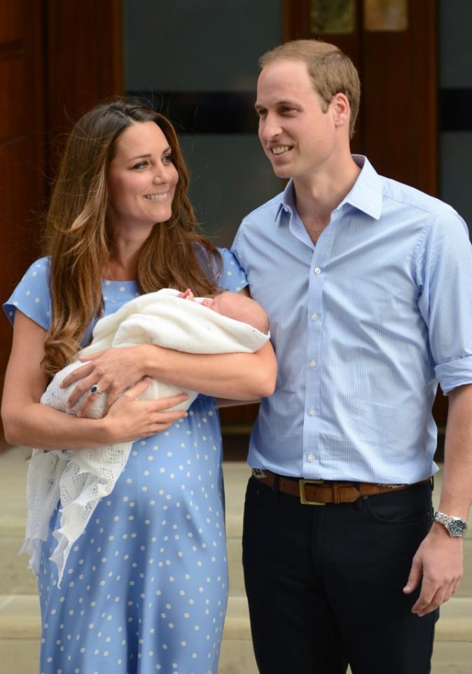 Kate Middleton et le prince William avec leur fils.