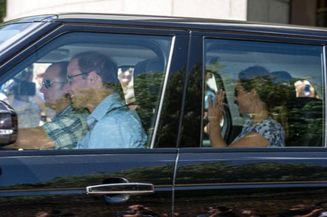 Kate Middleton et le prince William de sortie avec leur fils pour la premlère fois, le 24 juillet 2013.
