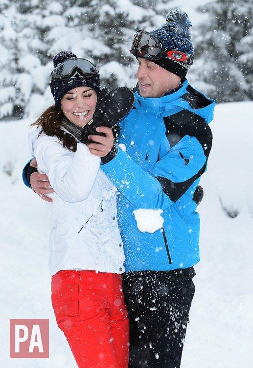 Photos : Kate Middleton et le prince William s'éclatent avec George et Charlotte au ski !