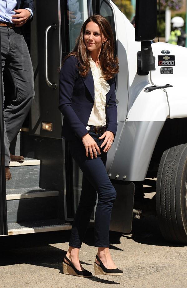 Kate a déjà porté ce jean cette semaine ...