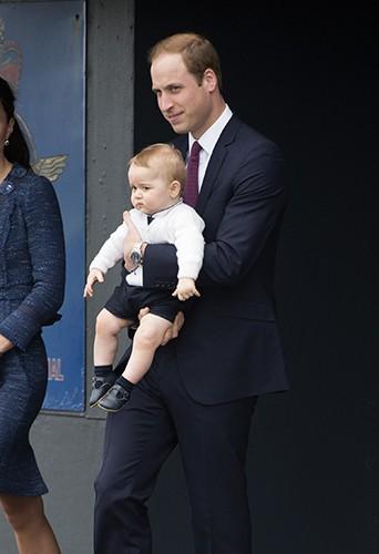 Le Prince William et son petit George à Wellington le 16 avril 2014