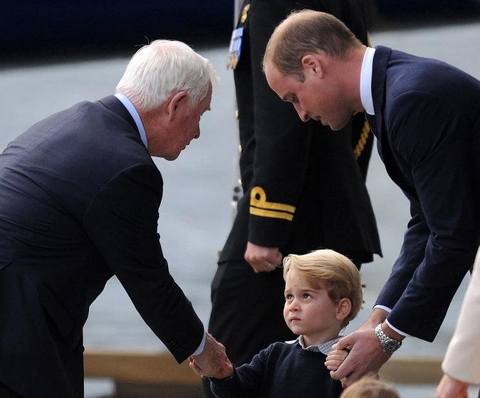 Le Prince George dit aurevoir au gouverneur du Canada à Victoria (Canada), le 1er octobre 2016