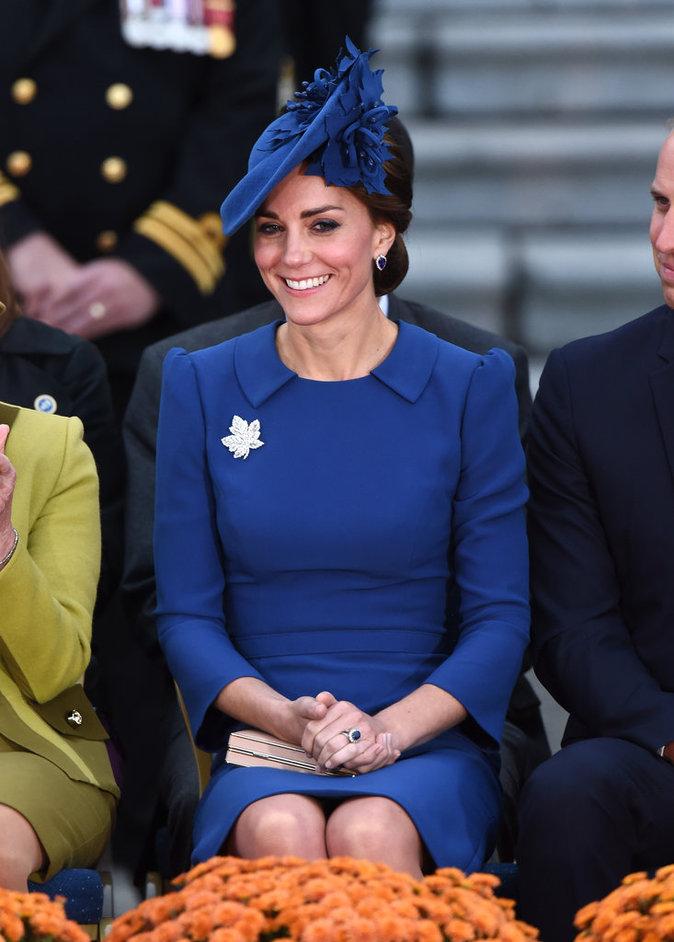 Photos : Kate Middleton et William : Charlotte aux anges pour son premier voyage officiel !