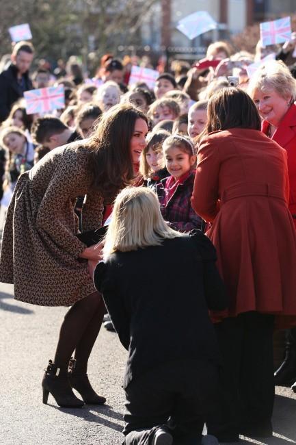 Kate Middleton se rendant à la fondation The Art Room à Oxford, le 21 février 2012.