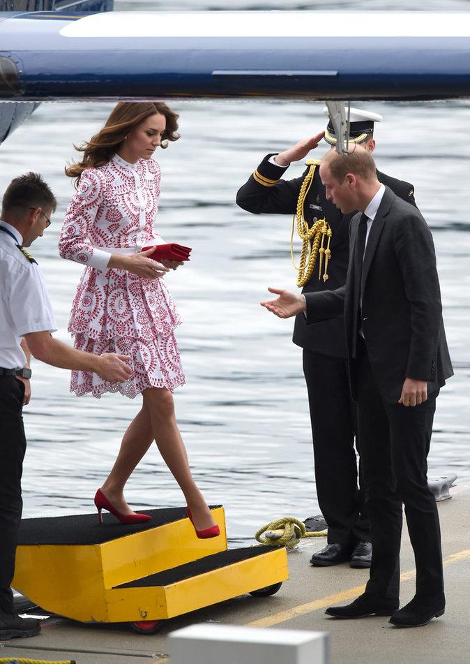 Photos : Kate Middleton sublime et le Prince William visitent un camp de réfugiés !