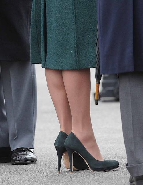 Photos : Kate Middleton : tout en vert pour la Saint Patrick au bras de son prince William : le couple dément toute grossesse !