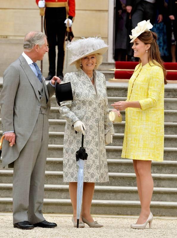 Le prince charles, Camilla Parker bowles et Kate Middleton lors de la garden-party de la reine à Londres, le 22 mai 2013.