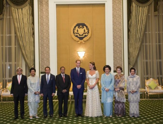 Kate Middleton et le prince William lors du dîner organisé par le Sultan de Kedah en Malaisie, le 13 septembre 2012.