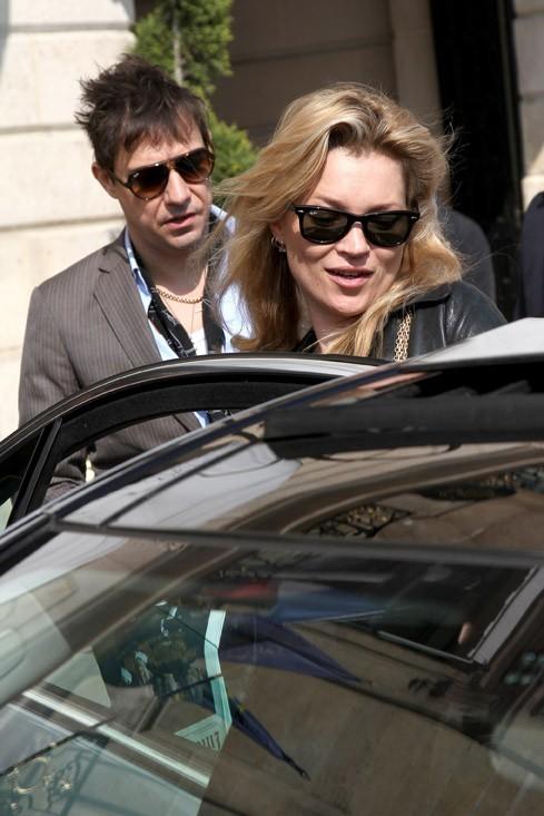 Kate Moss peut être tranquille, il veille sur elle ...