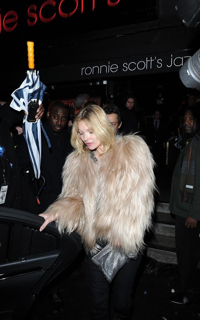 Kate Moss à la sortie du concert de Prince organisé à Londres le 17 février 2014