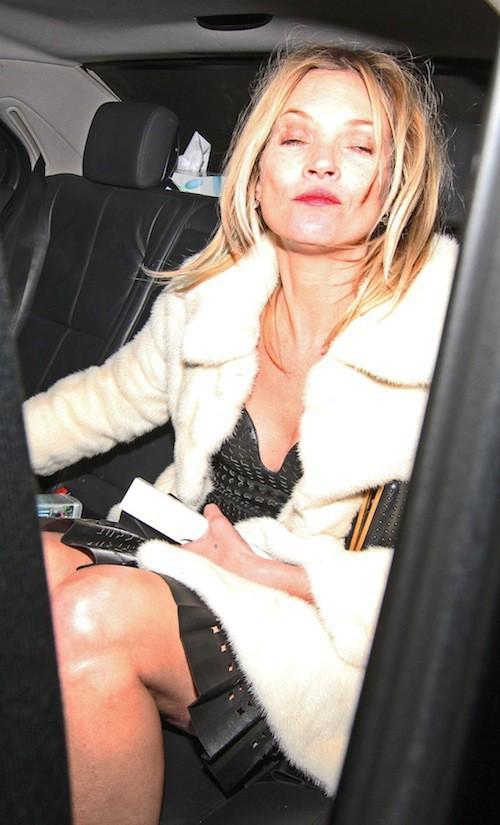 Photos : Kate Moss : complètement pompette après avoir reçu un prix à Londres !