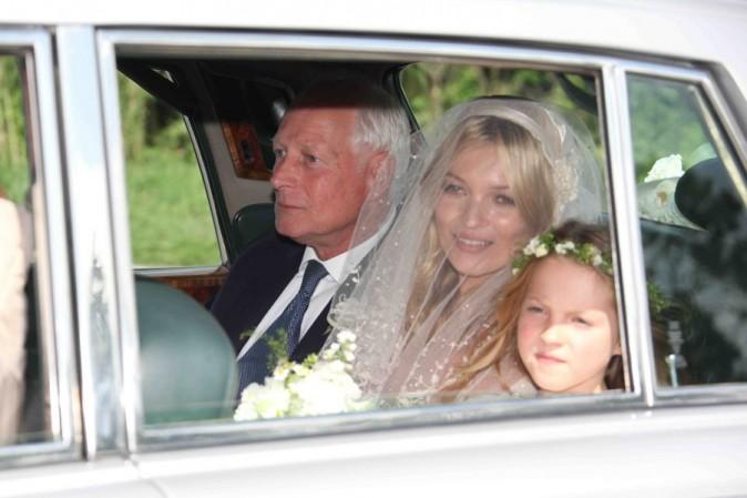 La top, radieuse, entourée de son père et de sa fille
